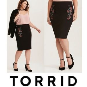 New With Tags Torrid pencil skirt Embroidered Rose